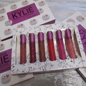 Суперстойкая матовая жидкая помада Kylie Birthday Edition