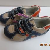 Кожа. Распродаю остатки.  В наличии кроссовки 25 р(наш 24) и туфли 29 р.