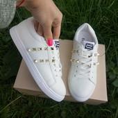 Белые кроссовки, копия Валентино