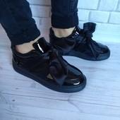 Женские кроссовки бант всего 180 грн