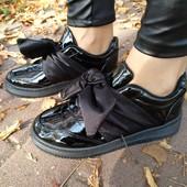 Черные лакированные кроссовки Бант всего 180 грн
