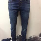 Распродажа на складе.Отличные джинсы с высокой посадкой р 25-30 Отличного качества.Цена шара
