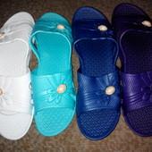 Літнє взуття.