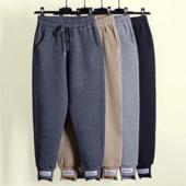 Утепленные трикотажные штаны с нашивками 42-50 р-р