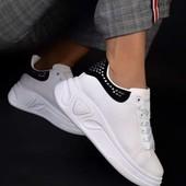 Кроссовки очень круто выглядят