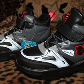 Спешим купить!! Шикарнючие деми ботинки на флисе 33-34р. Последние размери.